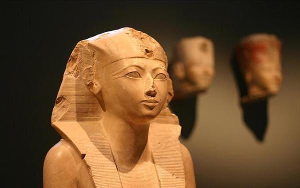 اكتشاف تصوير للملكة حتشبسوت على قطعة أثرية – أعجمي